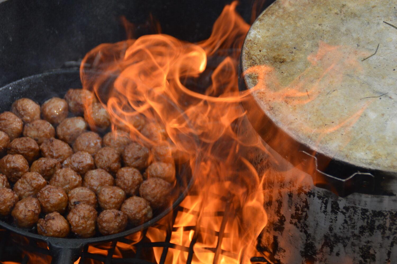 Matlagning över öppen eld