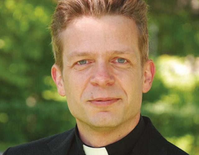 Församlingens nye pastor – Adam Harknäs