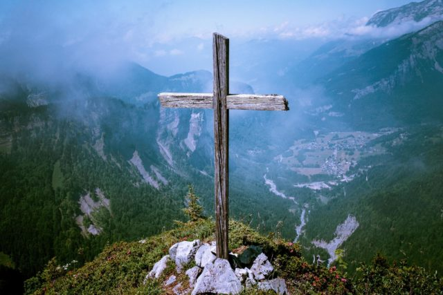 Fira påsken i Skårekyrkan
