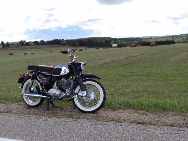 Vi köpte motorcyklar i Kimpese!
