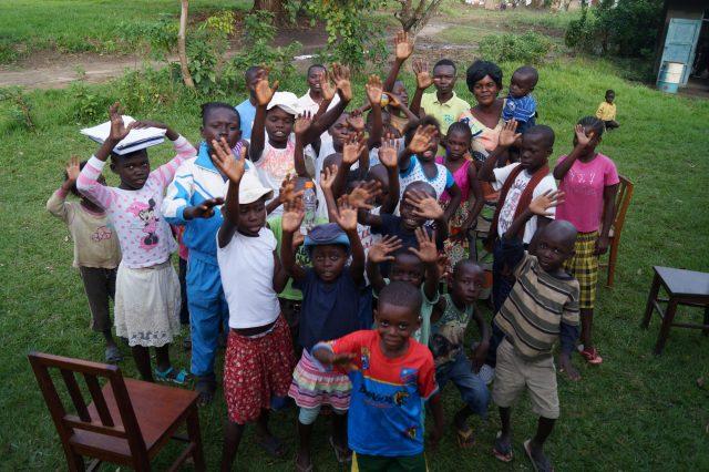 Projekt - Barn som vinkar