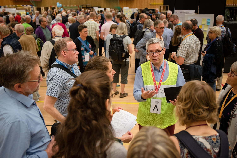 Diskussioner på Kyrkokonferensens påverkanstorg
