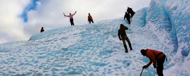 Bibelfjäll - elever bestiger en glaciär