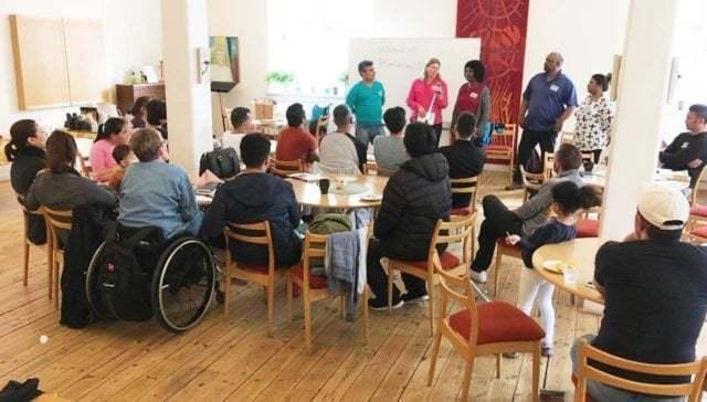 Populärt med flerspråkig bibelskola i Sundsvall