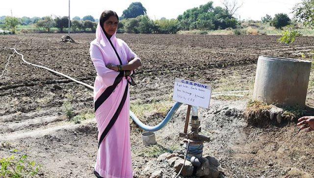 Regnvatten gör att Sunitas barn får gå i skolan