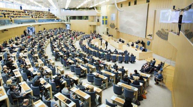 Motion 7: Motion om behovet av samhällsengagemang inom Equmeniakyrkan – 2019