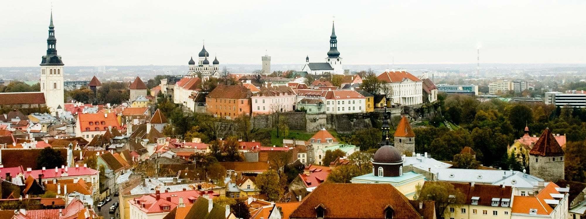 Utsikt över stad i Estland
