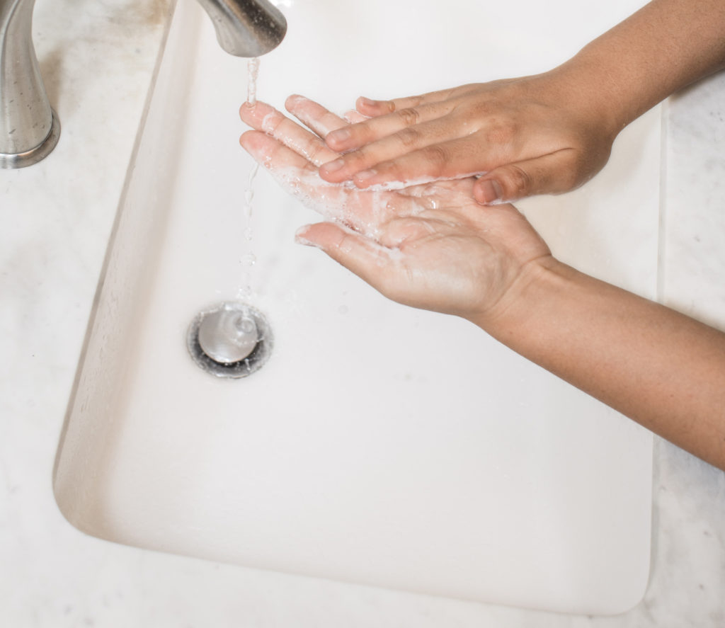 Någon som tvättar händerna