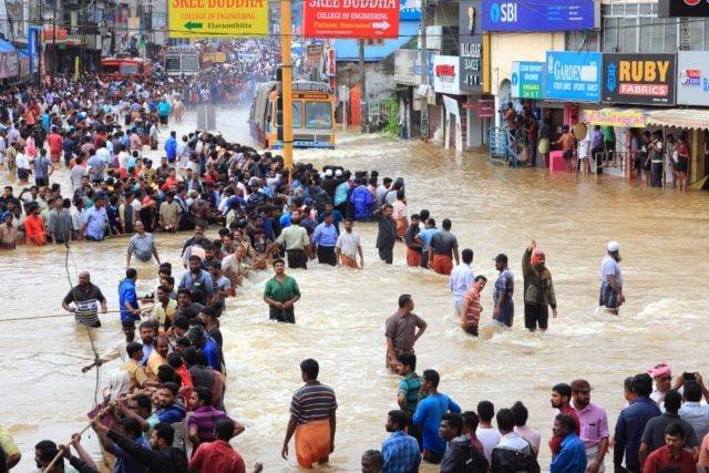 Människor i översvämning