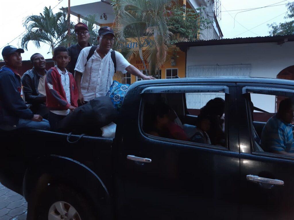 Nicaragua kyrkoledning åker på bilflak