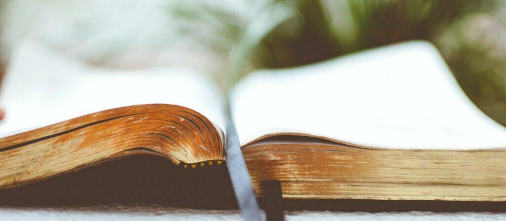 Uppslagen bibel